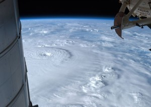 -typhoons-pacific-natural-disasters_73272_600x450